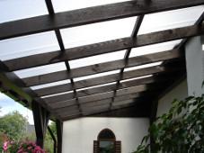Veranda realizzata con policarbonato ad incastro